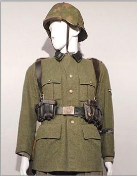 Waffen SS Enlisted w/ Helmet (1940-1945)